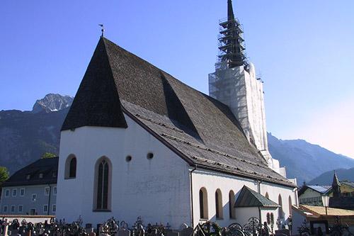 <strong>Pfarrkirche Abtenau<span><b>in</b>öffentlich </span></strong><i>→</i>