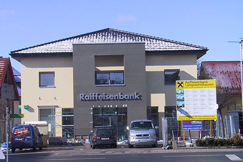 <strong>Raiffeisenbank Lamprechtshausen<span><b>in</b>gewerblich </span></strong><i>→</i>