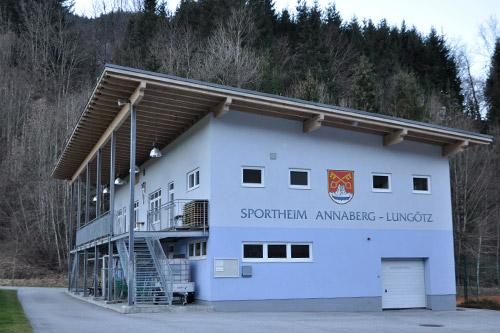<strong>Sportheim Annaberg-Lungötz<span><b>in</b>öffentlich </span></strong><i>→</i>