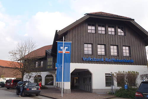 <strong>Volksbank Raiffeisenbank Chieming<span><b>in</b>gewerblich </span></strong><i>→</i>