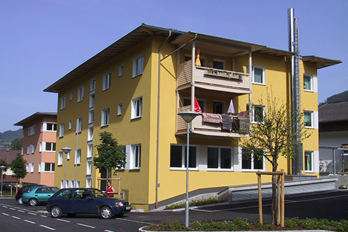 <strong>Wohnanlage Schwarzach<span><b>in</b>Wohnbau </span></strong><i>→</i>