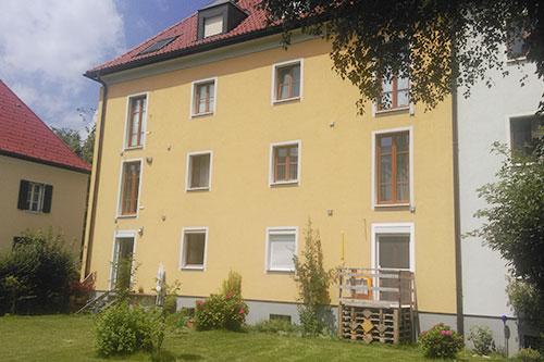 <strong>Wohnhaus Salzburg Parsch<span><b>in</b>Wohnbau </span></strong><i>→</i>