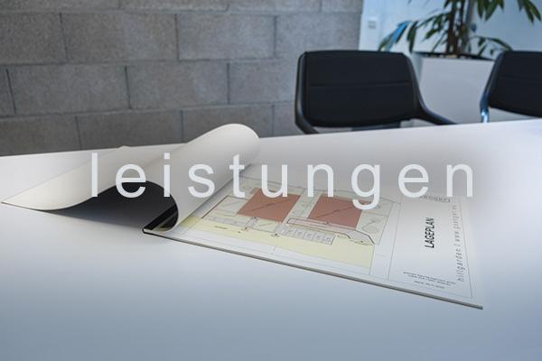 <strong>leistungen<span></span></strong><i>→</i>