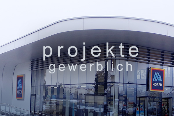 <strong>Projekte gewerblich<span></span></strong><i>→</i>